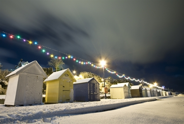 Felixstowe_beach_huts_in_the_snow