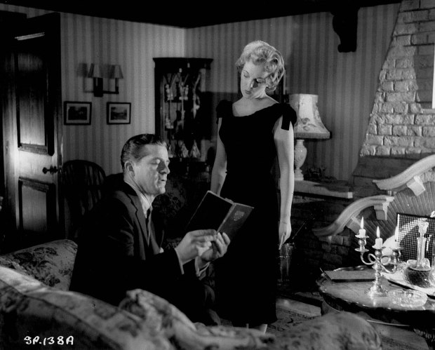 NIGHT OF THE DEMON (1957) picture 3