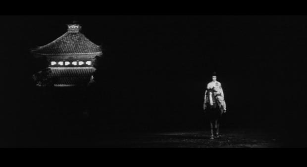 kuroneko-entering-the-phantom-world