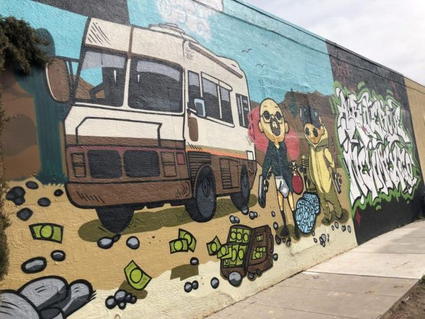 https___blogs-images.forbes.com_lesliekelly_files_2019_02_Breaking-Bad-mural-in-ABQ-1200x900