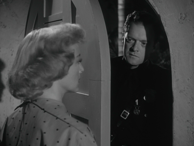 The Prowler_Officer Webb Garwood returns to the Gilvray residence to apologize